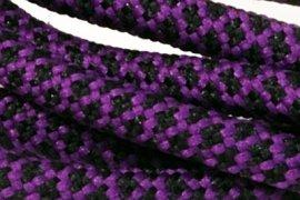 Fioletowa siatka czarne kwadraciki